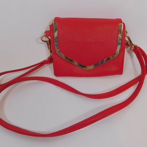 Charming Charlie Red Wristlet CL2483 1119